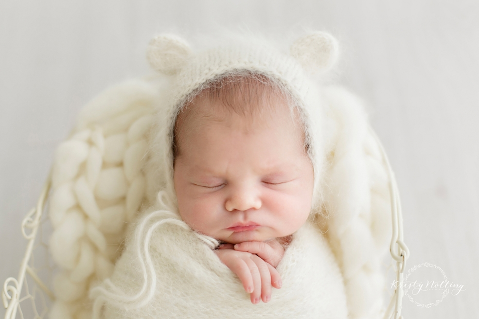 Geelong baby photographer kristy notting photography specializes in newborn baby maternity and child photography in geelong victoria and surrounding